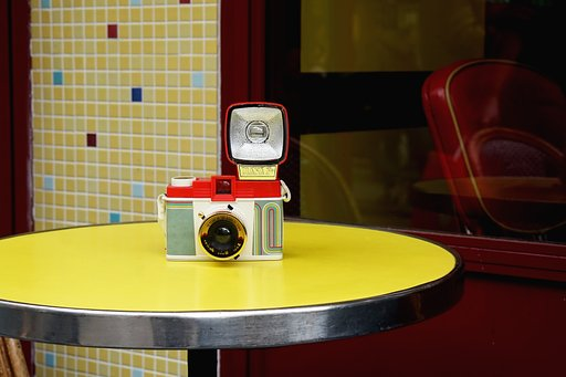 Buy a Diana F+ and get an extra lens on the house!
