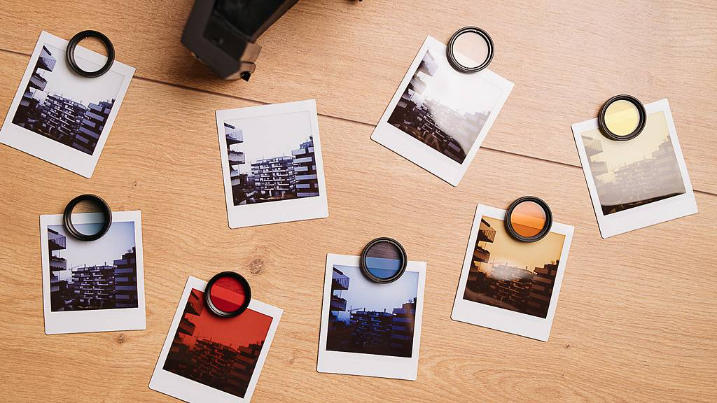 Filtri colorati e a Lomo'Instant Square: l'esperienza del youtuber Analog Things