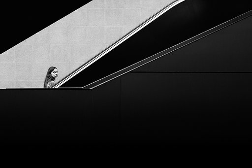 Moisés Rodríguez: a Visual Composer of Monochromatic Photography