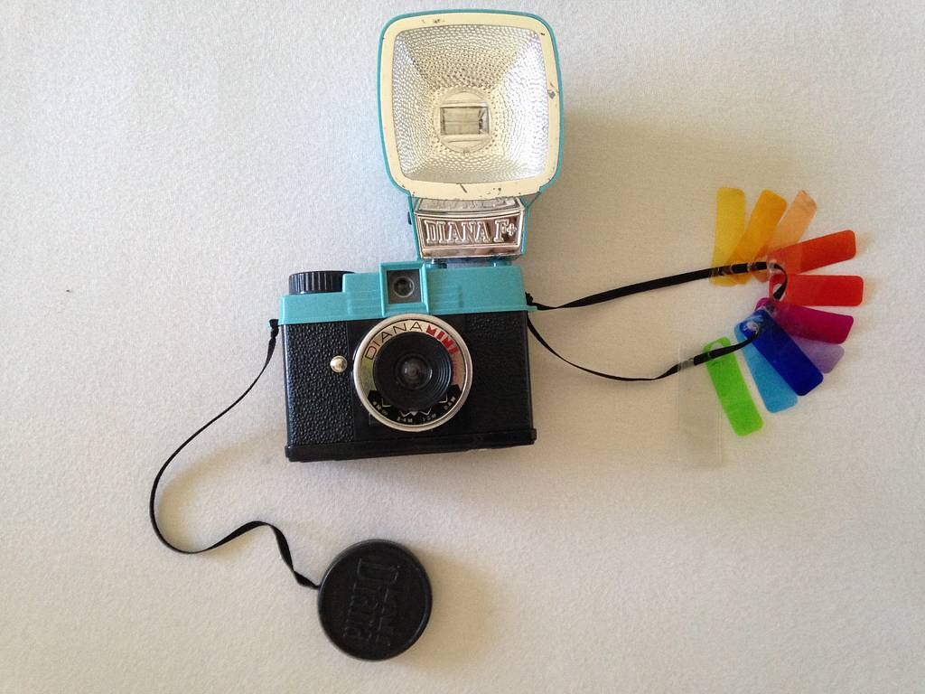 Simple Color Gels or Filters Holder for the Diana Mini's Flash