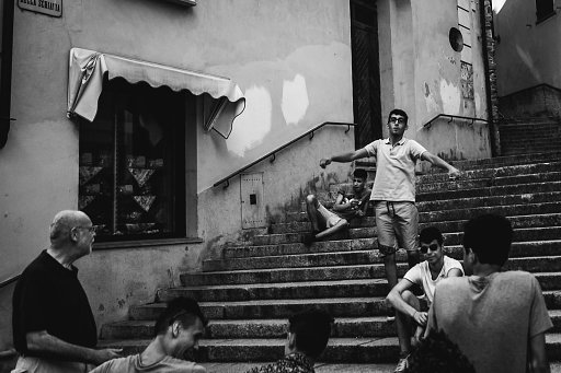 How Claudio Gomboli Captures the Nuances of Daily Life