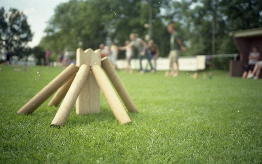 Throwing Sticks: Competing in the Duch Kubb Championships 2012