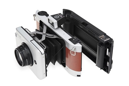 Conquer both 35mm and Medium format photography with the Belair and FREE 35mm back!