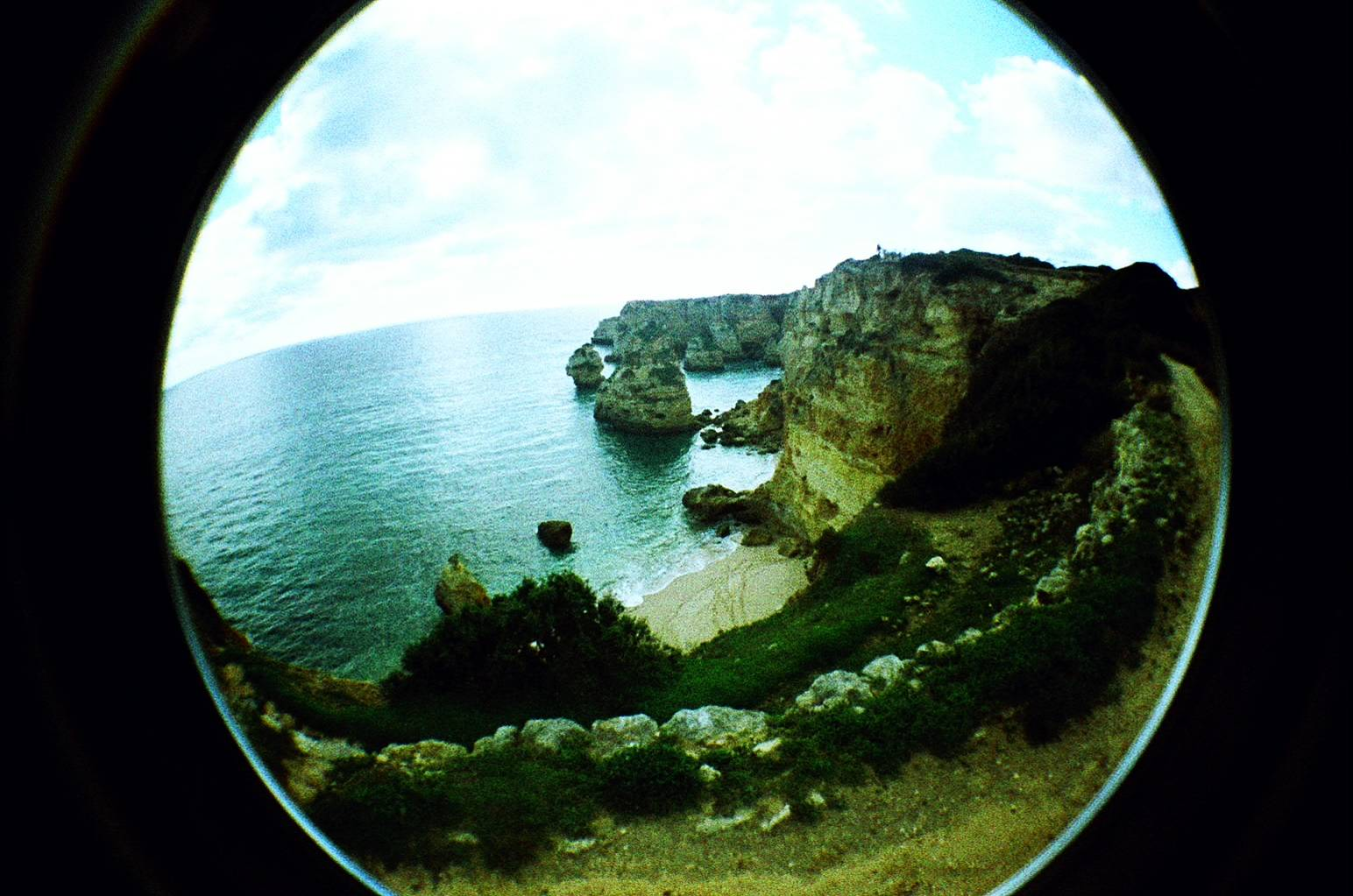 Playas de ensueño en Carvoeiro · Lomography