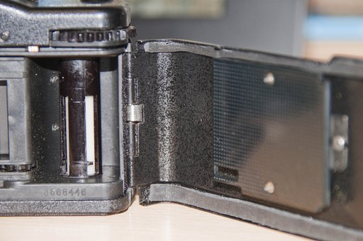 How to Replace the Lomo LC-A Sealing Foam