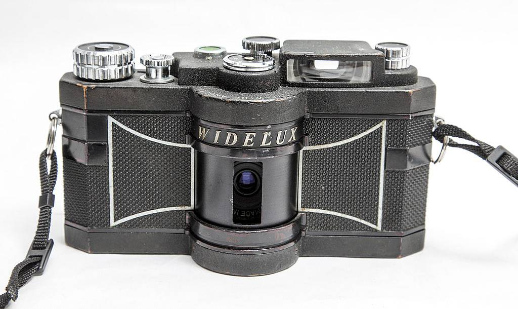 Lomopedia - Widelux F7