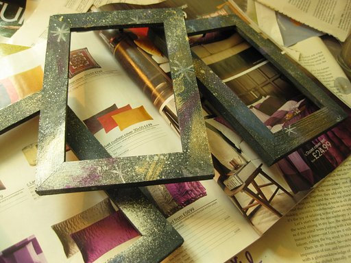 Crafty Tipster: How to Make Galaxy Print Frames for Your Lomographs