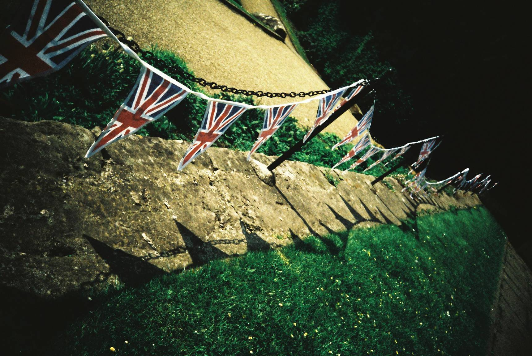 Credits: kneehigh85 Warwick Castle and Peacock Garden · Lomography