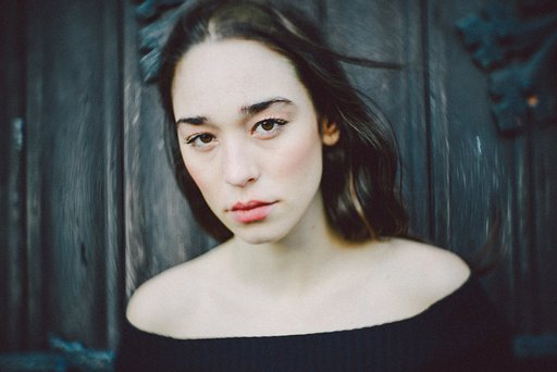 Pauline Caplet: Finding Fine Art in Modern Portraiture with the Petzval Lenses