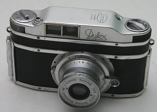 The Hungarian Gamma Duflex-an interesting piece of SLR camera history