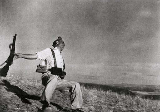 Vintage Robert Capa Photos showcased in London exhibit