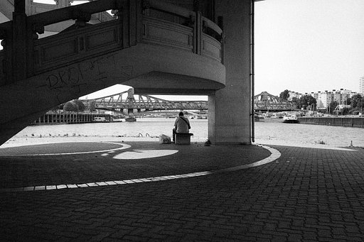 Le Youtubeur Thomas App teste la Lomography B&W 400 35 mm Berlin Kino