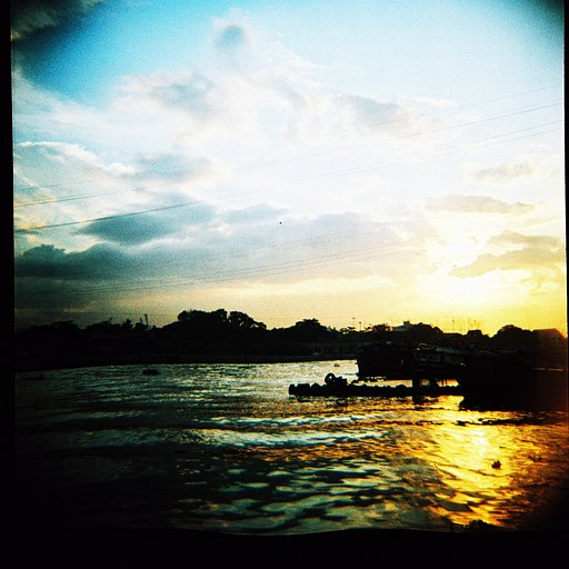Lomography Slide 200 120: From Green to Blue