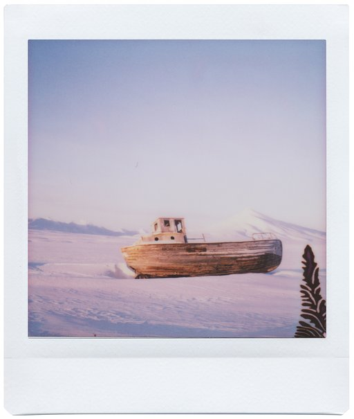 Lomo'Instant Square: the Svalbard Archipelago Through the Eyes of Marta Bevacqua