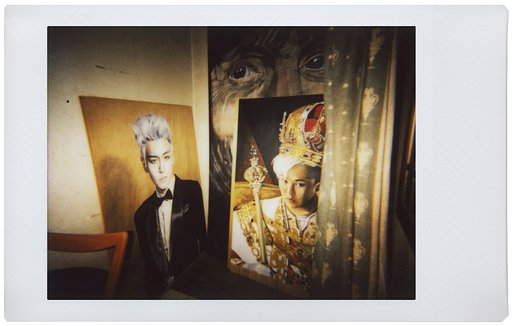 Before the Canvas: Lomo'Instant Shots on Ivan Woo's Photorealism Art