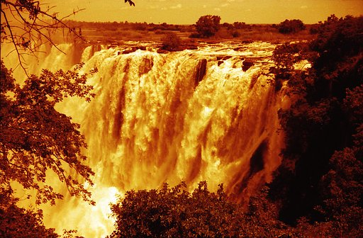 The Smoke that Thunders – Victoria Falls
