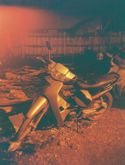 Medium Format Redscale Wonders: Lomography Redscale 100 in 120