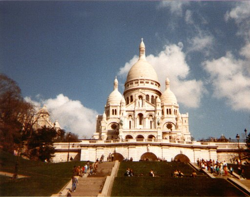 Je t'aime, Paris: Relaxing at the Sacré-Coeur