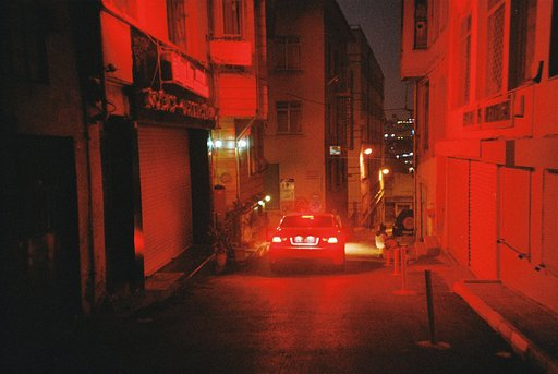 Camille Witt : balade à Istanbul avec le Lomo LC-A+