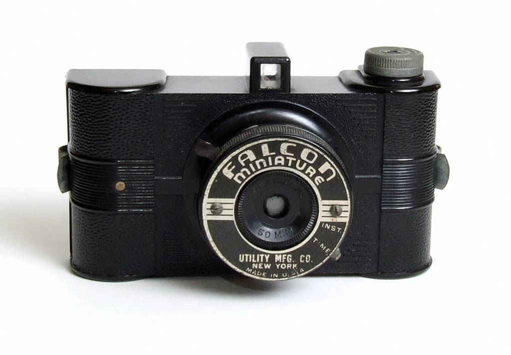 Lomopedia: Falcon Miniature