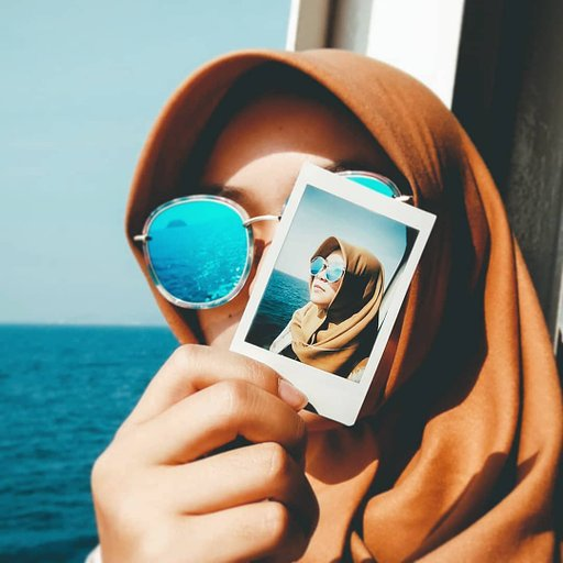 A Photo within a Photo: Aria Yudhistira and the Lomo'Instant Automat