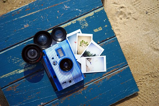 Celebrate summer with the Lomo'Instant San Sebastián