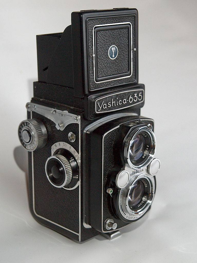 Yashica 635: TLR Goodness to the Max!