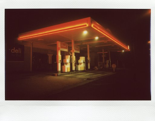 234 Stations: An Instant Photo Project by Valérie Timmermans and @gangswithaview