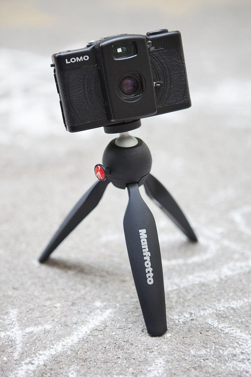Take a stable shot anytime anywhere with the Manfrotto PIXI Mini Tripod