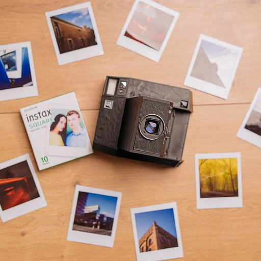 LomoAmigo 'Analog Things' reviews the Lomo'Instant Square