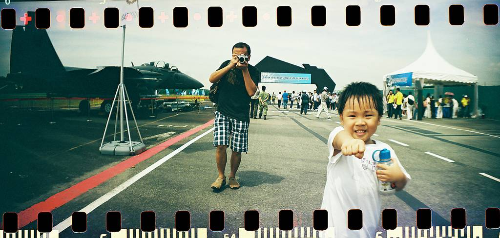 為您介紹 Andrew Kua, 最佳老爸 LomoAmigo (Meet Andrew Kua, our best daddy LomoAmigo)