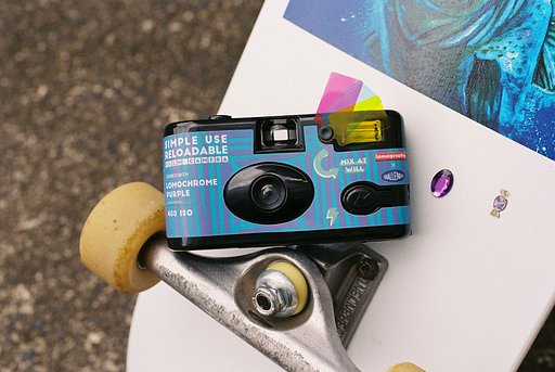 Lomography × Challenger : Simple USe