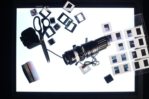 VISIO: The Handy Photoprojector