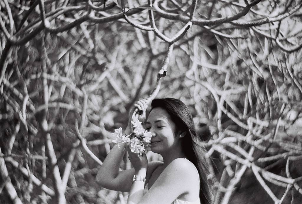 Black and White Portraits Shot With The Petzval Art Lens By Hanna Varela