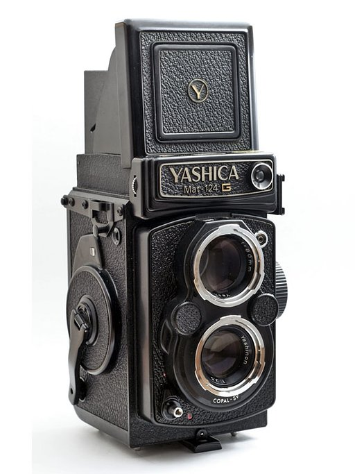 Yashica MAT 124G – The Japanese Gentleman