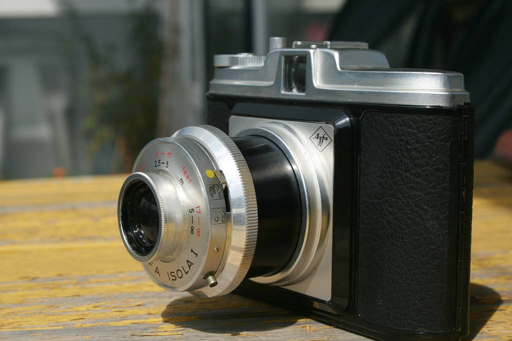 Agfa Isola 1: A Thrift Store Find