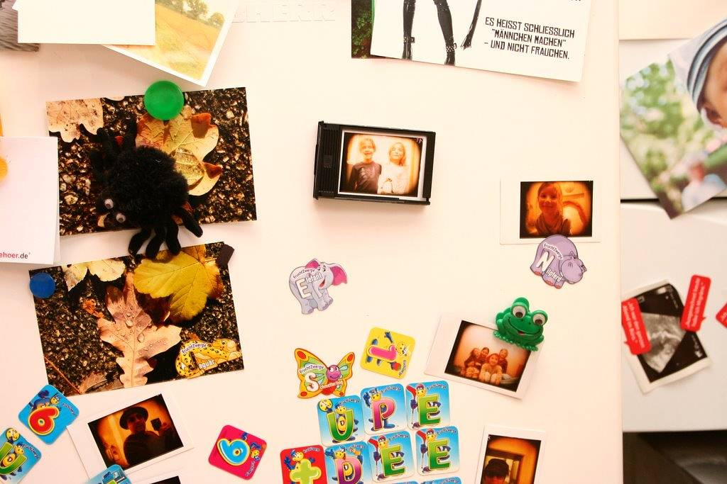 Instant frame for the refrigerator gallery · Lomography