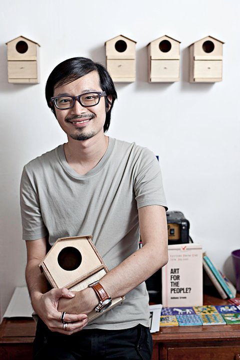The Pigeonhole Cafe Owner Rayner Lim from Singapore Shoots a Lomography Music Video for Shelves!