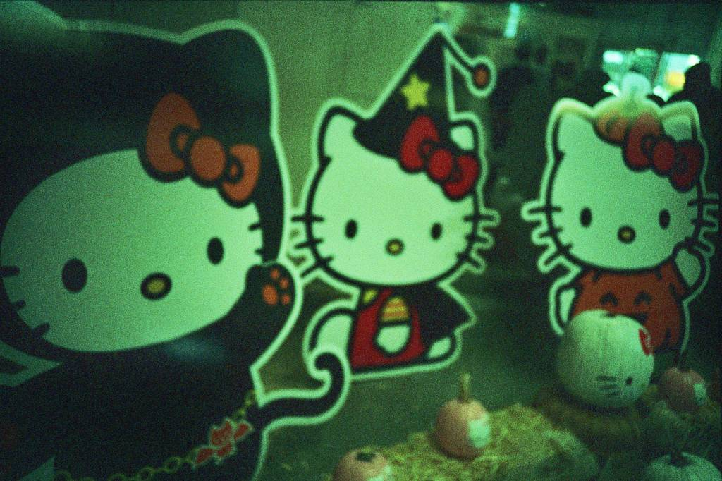 Royal/T Hello KItty Art Exhibit