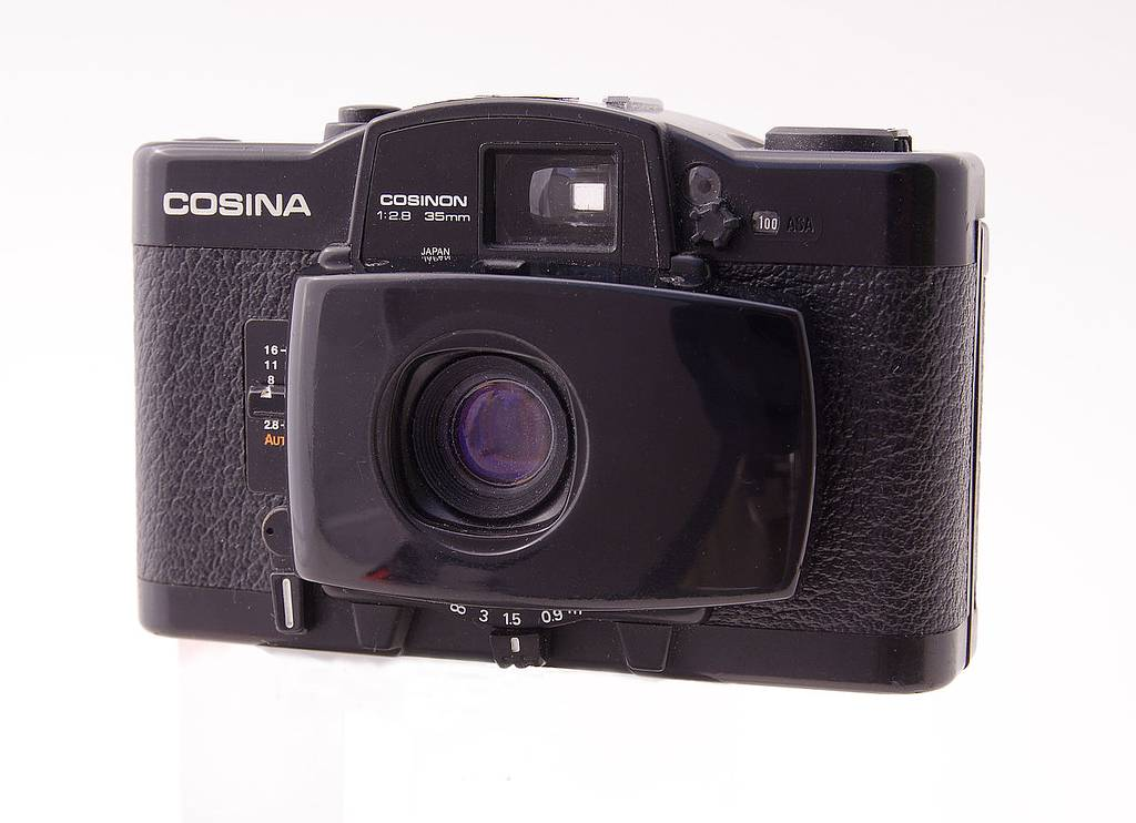 The Lomo LC-A's Father: The Cosina CX-2