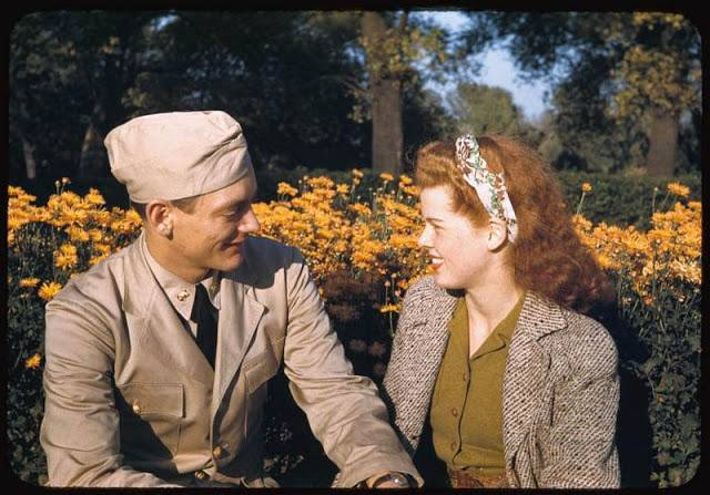 Flashback to 1940's: The American Life in Kodachrome