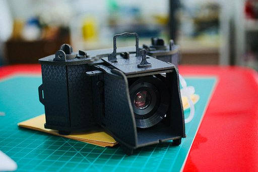 Make it Your Own: FilmstripFlips Builds the LomoMod No.1