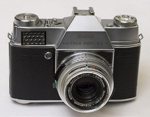 Kodak Retina Reflex S: Family Values