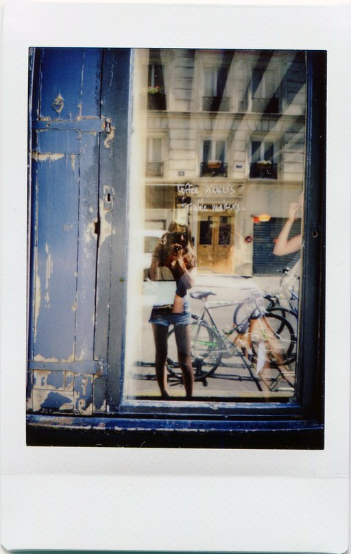 Lomo City Guide : le Paris de Marine Chapon immortalisé avec le Lomo'Instant Automat Glass !
