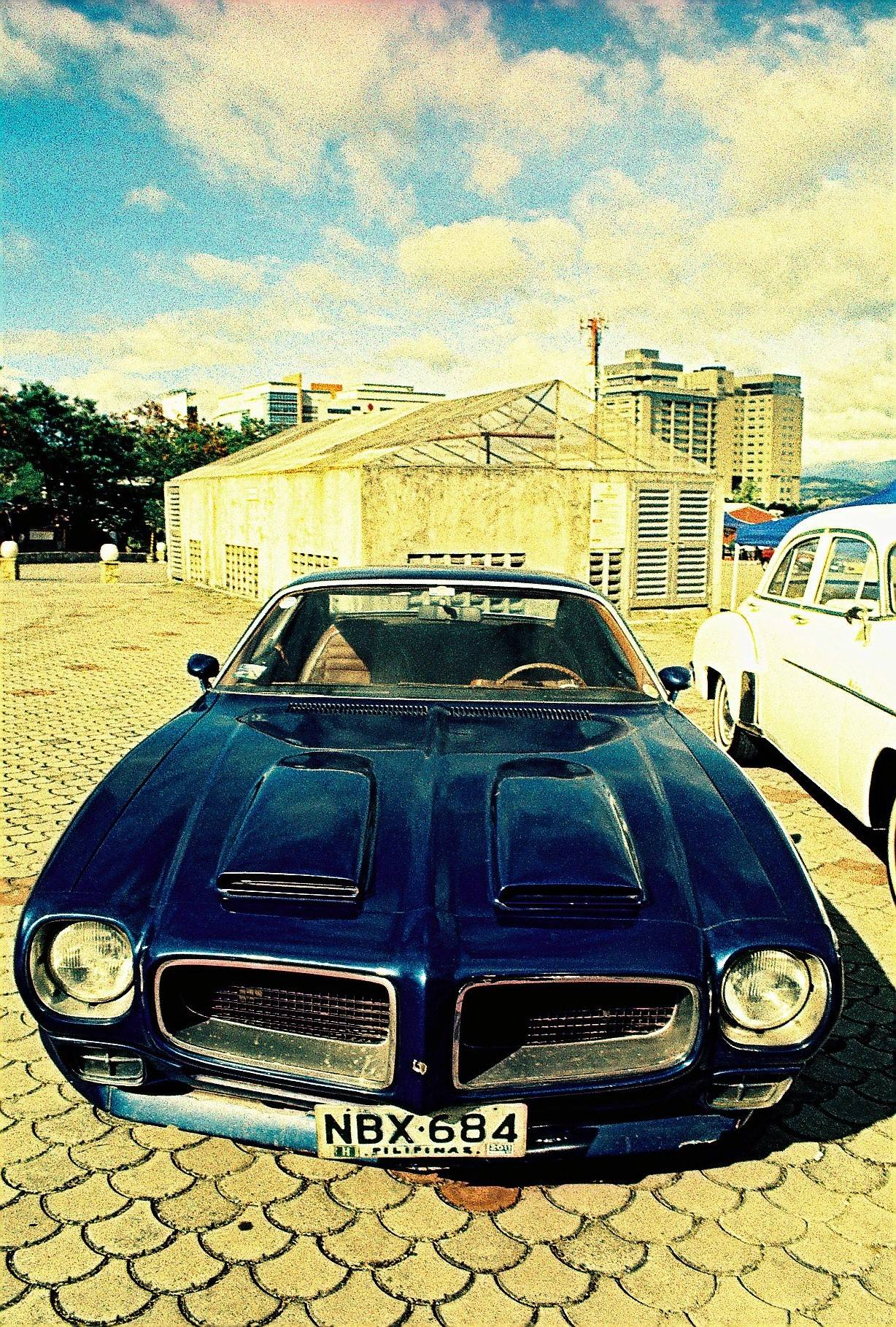 Awesome Cars, Awesome Film — feelux · LomographyAwesome Cars, Awesome Film - 웹