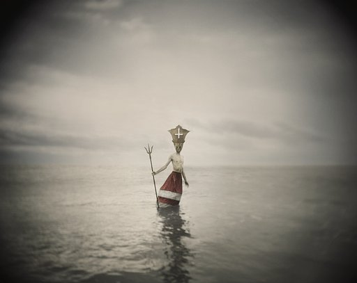 Chris Anthony: Seas without a shore. Eine analoge Fotoserie