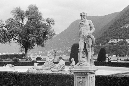 Fresh from My Darkroom: Cleaning the Statues at the Villa Olmo in Como