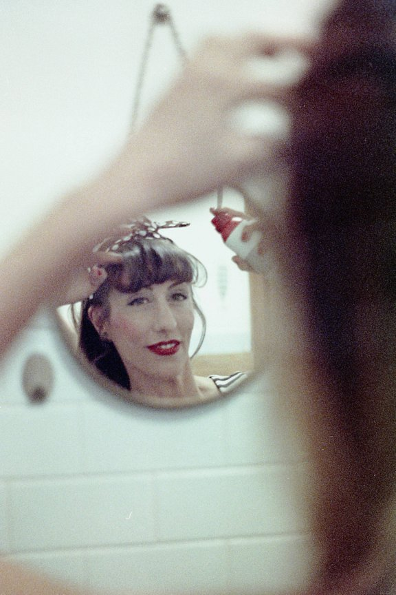 LomoHome del mese: crazy_little_red_riding_hood
