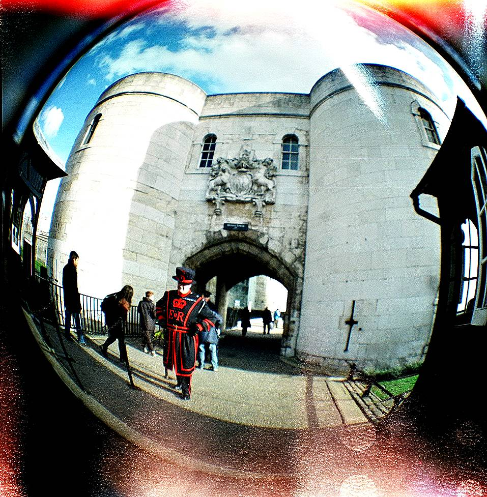 Circling The Square 20mm Fisheye Lens For Diana F Lomography Fish Eye Credits Myahcat